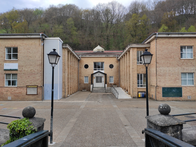 Lardizabal Eskola.jpg